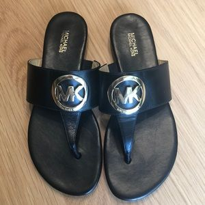Michal Kors black leather sandals🖤